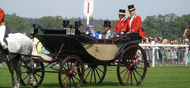 La reine d'Angleterre en visite à Ascot