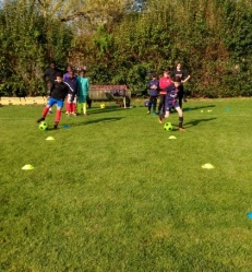 Colonie de vacances Temple sur lot football.