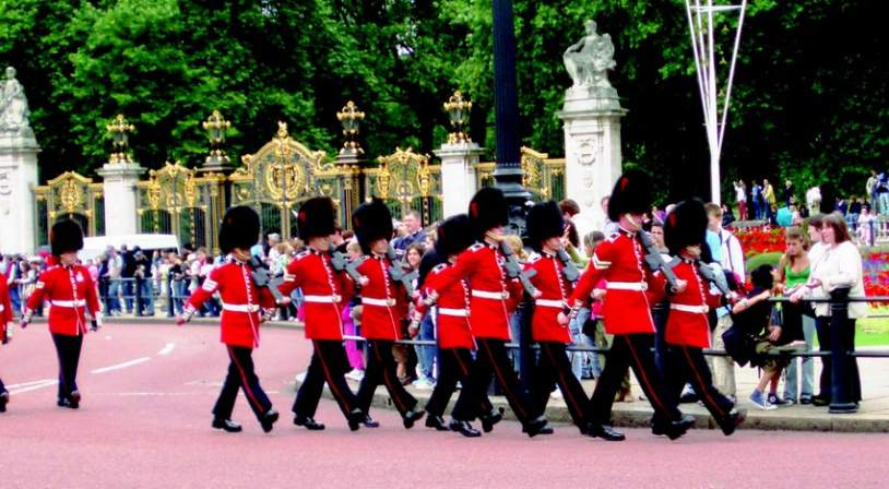 London - Changing of the Guard.