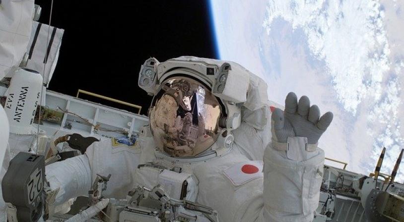 L'astronaute japonais Soichi Noguchi lors d'une sortie dans l'espace