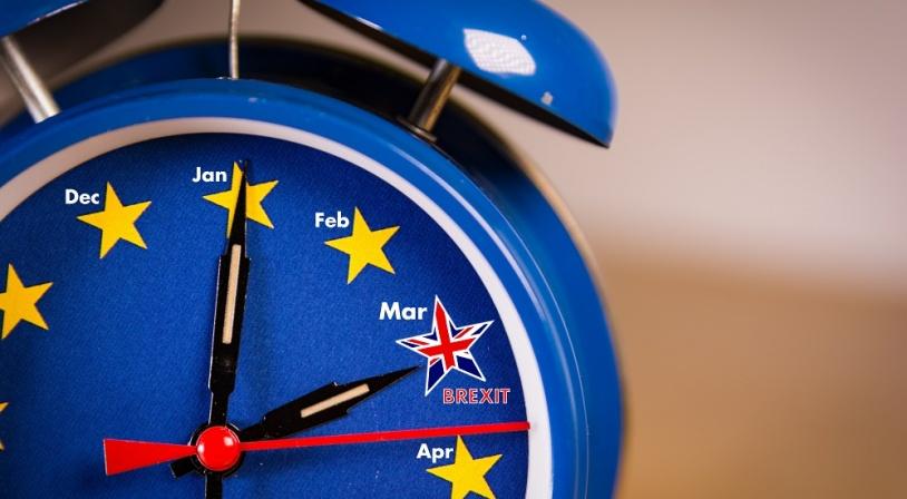 Réveil représentant les échéances du Brexit en 2019