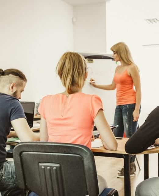 cours-de-langue-etudiants.